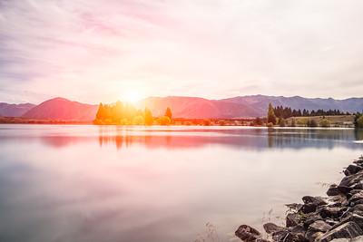 Sunset at Mount Cook National Park alongside Lake Pukaki