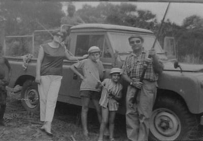 Familia  Venâncio : Vera ,Ivo, Jean Claude , Venâncio . Fim de semana de pescaria.