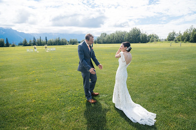 Palmer Destination Wedding: Kathryn & Thomas at Paradise Alaska and Knik Glacier by Joe Connolly