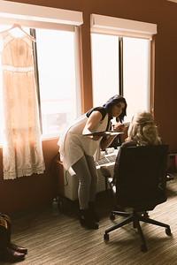 Brock & Laura Wedding _ Hotel Prep (22)