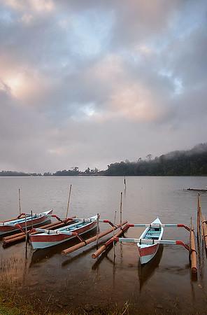 Lake Bratan 04