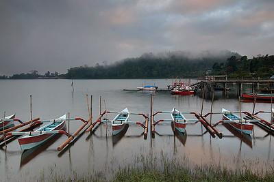 Lake Bratan 01
