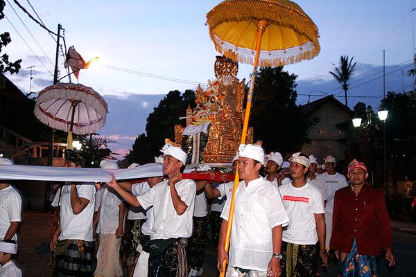 Ceremony in Ubud 05