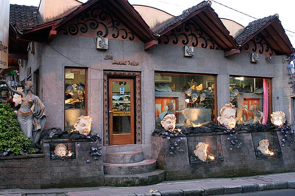 Shops & Galleries of Ubud 07