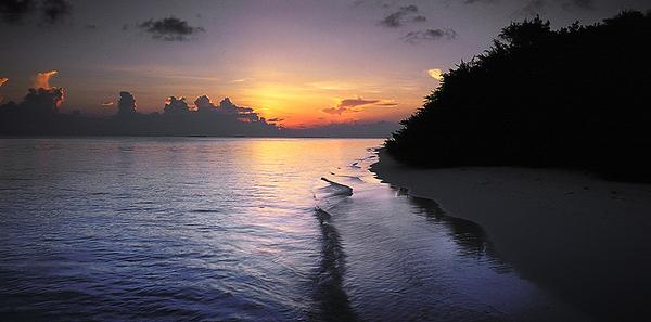 Maldives-04 03