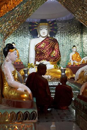 Shwedagon Pagoda 36
