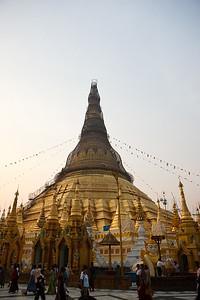 Shwedagon Pagoda 02