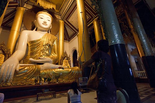 Shwedagon Pagoda 33