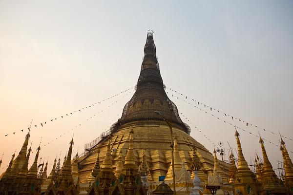 Shwedagon Pagoda 03