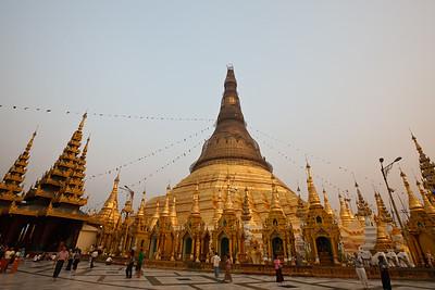 Shwedagon Pagoda 16