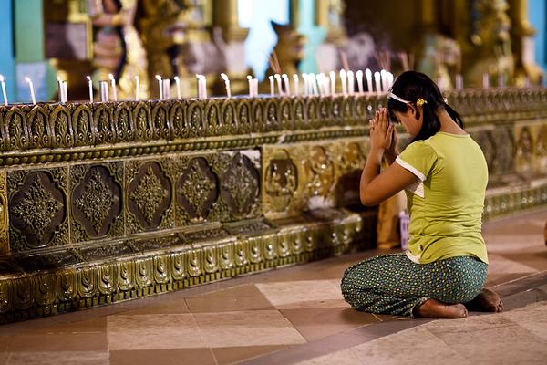 Shwedagon Pagoda 28