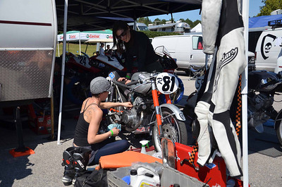 BARBER_VINTAGE_FESTIVAL_AROUND_THE_PADDOCK_AREA_10072011_003