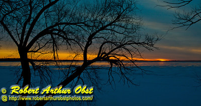 Hiker's view of a gorgeous winter sunrise over a frozen Lake Mendota from Governor Nelson State Park (USA WI Waunakee; Obst FAV Photos 2013 Nikon D800 Destinations Wild Scenic Hiking Image 7468)