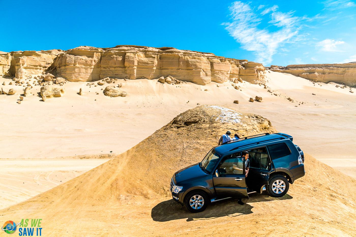 Climbing sand dunes in a 4x4 in El Fayoum