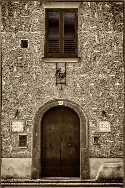 Marmorata Doorway