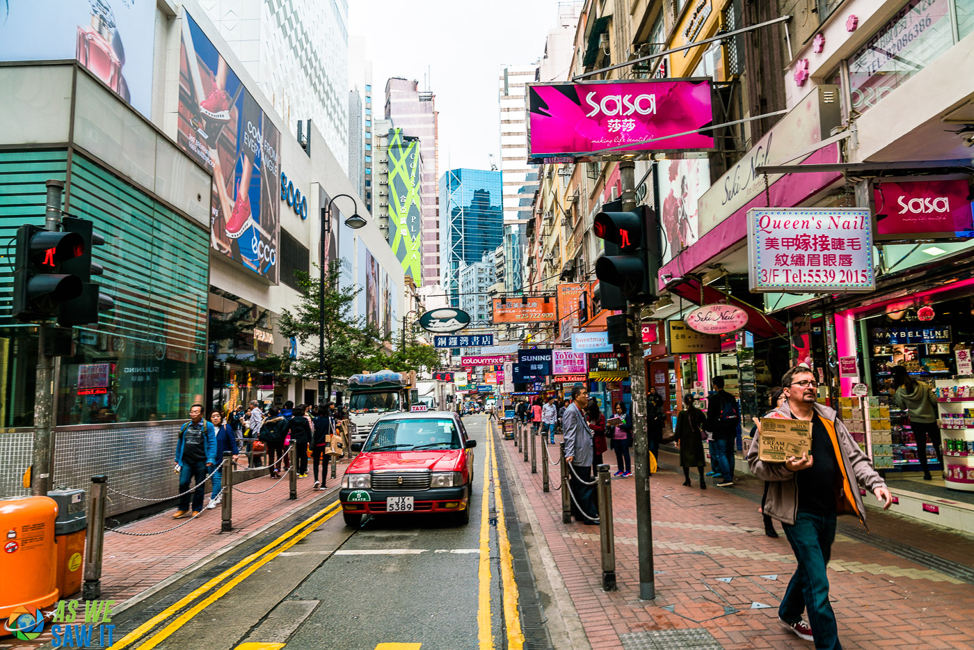 shopping street in hong kong