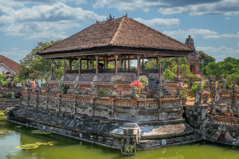 Bale Kambang pavilon, Bali