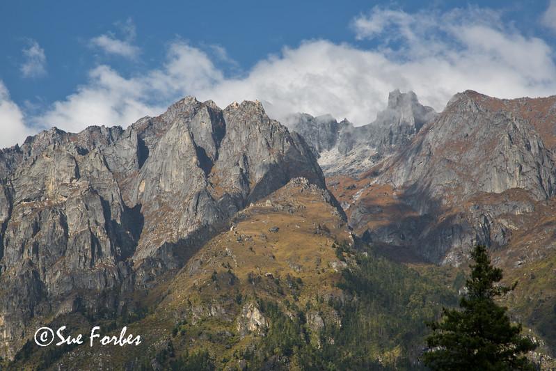 View towards Kang Guru & Kuchubhro from Timang Besi, Annapurna Circuit, Nepal