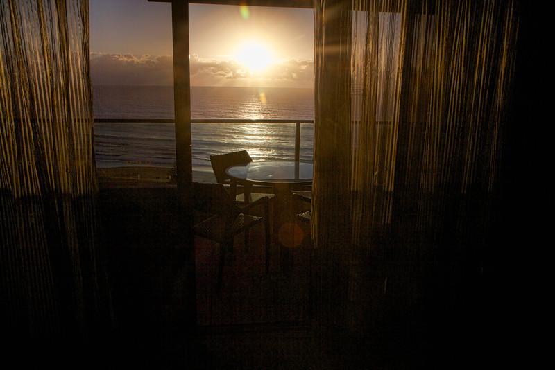 Sunrise at Room753