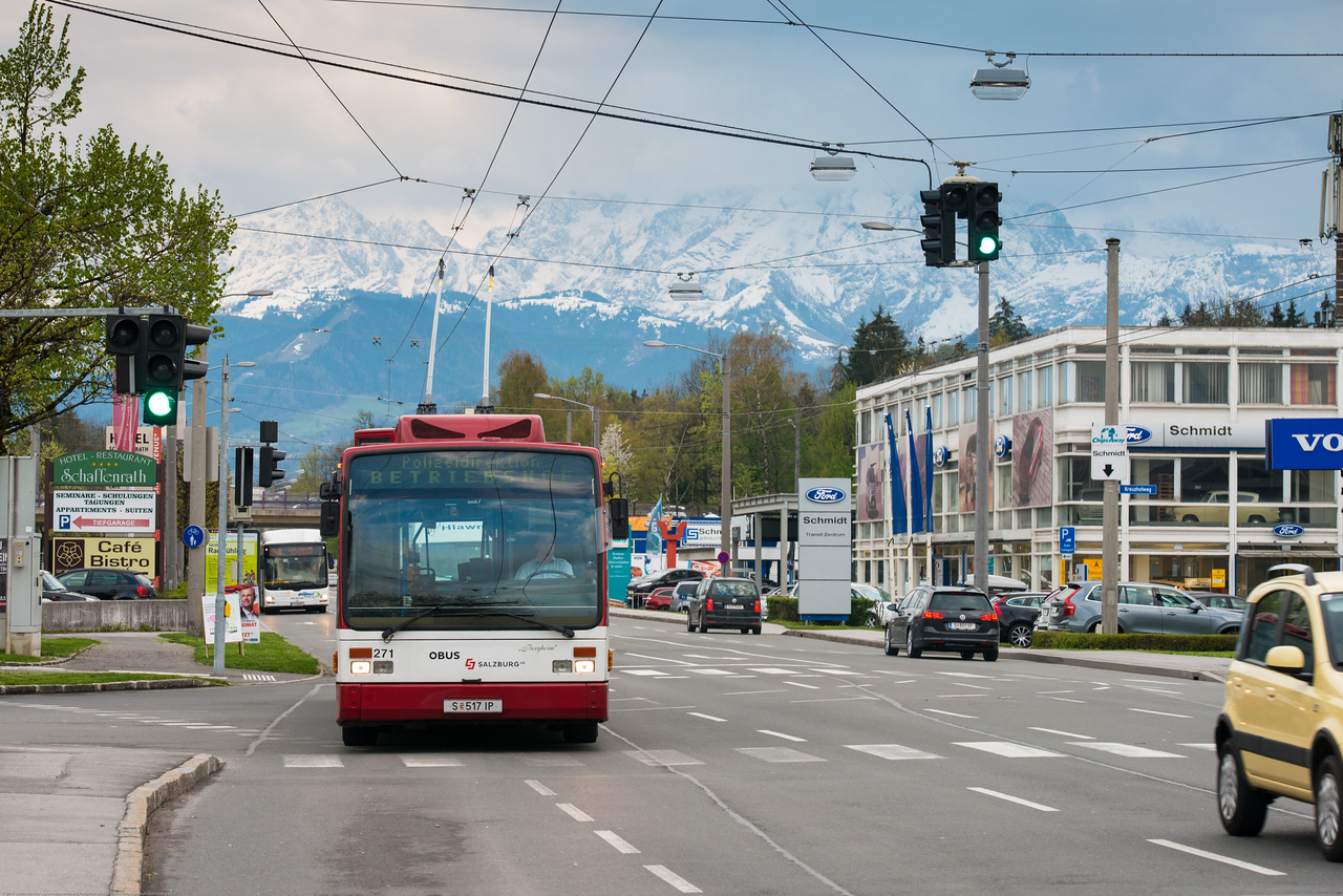 While cycling is very popular in Salzburg. The best way to get around Salzburg is on foot. There is a network of city buses, the StadtBus, with numbers from 1 to 8 (trolleybuses) and 20-27 (diesel buses).
