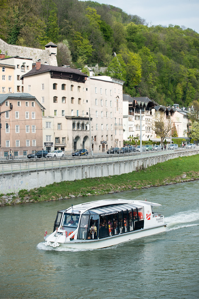 Salzach Cruise is very popular. It offers passengers an extraordinary view of the city and its scenic vistas. The cruise starts at the Makart Bridge in Salzburg's historic city center and continues on a leisurely 8-kilometer cruise along Salzburg's magnificent cityscape towards Hellbrunn with a view of the stunning mountain ranges in Salzburg.