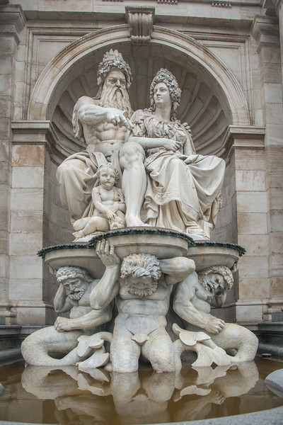 Statues at Albertina, Vienna, Austria.