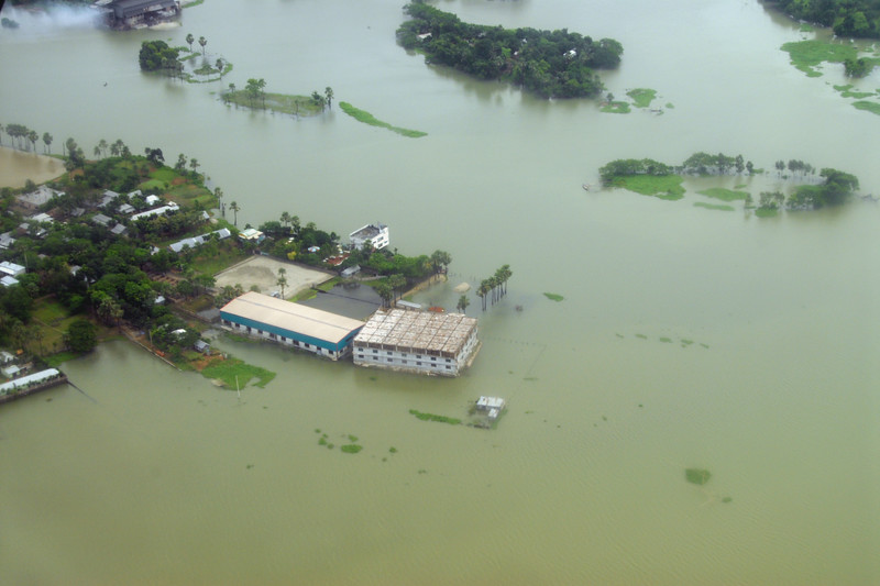 Ariel view of the level of water & flooding!<br /> Almost missed my flight as it was pouring in Kolkata (Calcutta) and there was water logging (flooding) on the streets. Short flight from Kolkata to Dhaka but it was turbulent and bumpy due to the weather.