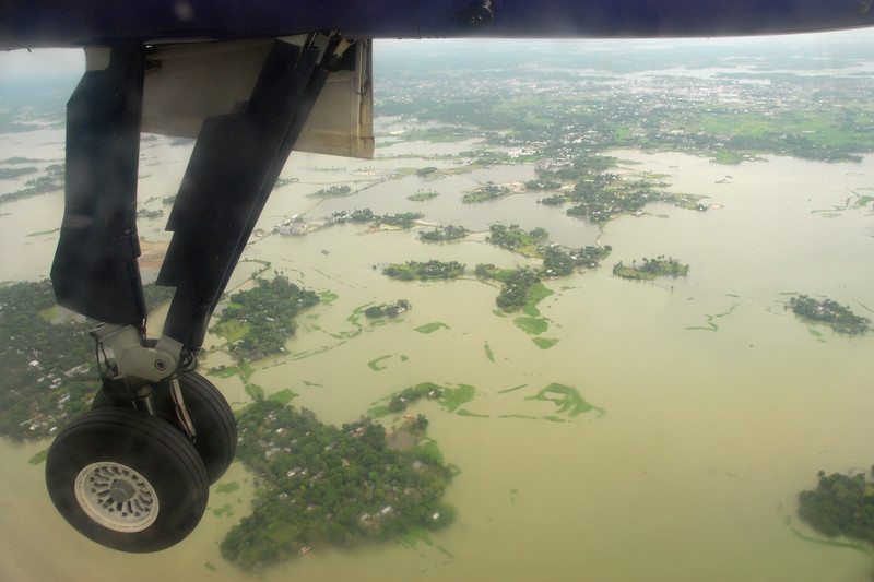 Almost missed my flight as it was pouring in Kolkata (Calcutta) and there was water logging (flooding) on the streets. Short flight from Kolkata to Dhaka but it was turbulent and bumpy due to the weather.