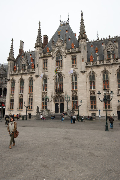 Provincial Court, Place De Bruges. The Markt of Bruges is located in the heart of the city and covers an area of about 1 hectare. Some historical highlights around the square include the 12th-century belfry and the Provincial Court.