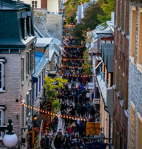 Tourist flows in the old town of Quebec
