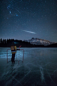Meteor Shower and ice hockey