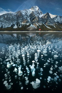 Frozen bubbles and ice hockey