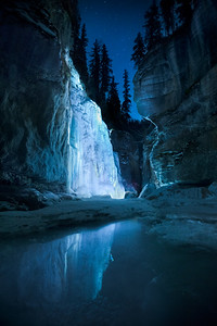 Night ce climbing Maligne Canyon