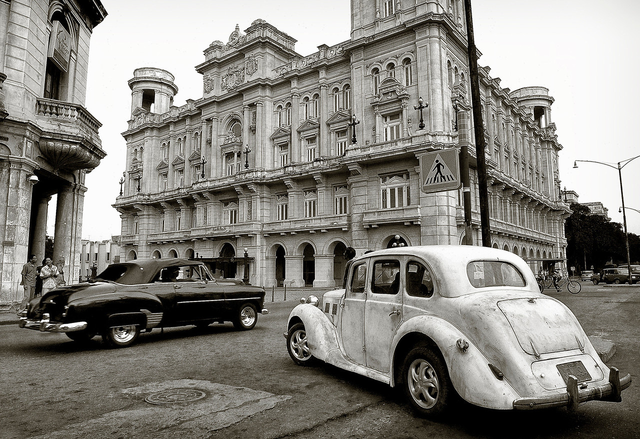 A burst of nostalgia in downtown Havana. <br /> <br /> Cuba, 2006.
