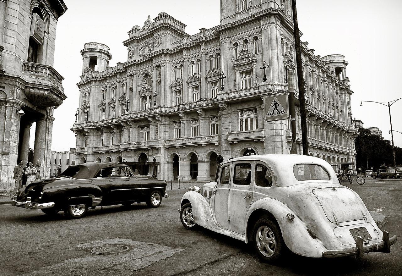 A burst of nostalgia in downtown Havana. <br /> <br /> Cuba, 2006.