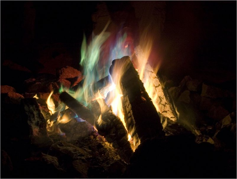 Joe's special concoction of copper sulfate saturated wood logs create a lovely Technicolor fire that lasted all night long.