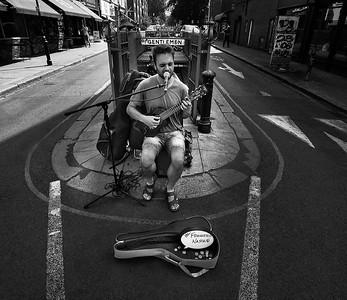 A street performer in Portobello Road.  London, England, 2018