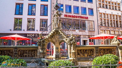 Heinzelmännchen Fountain