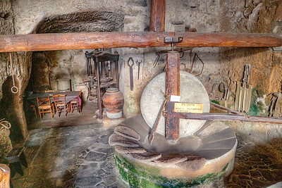 Oil press in Civita