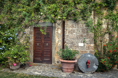 Doorway to history - Civita