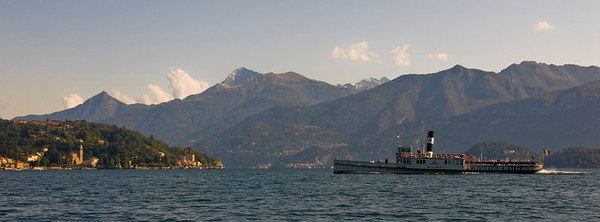 Panoramic view of Lake Como.
