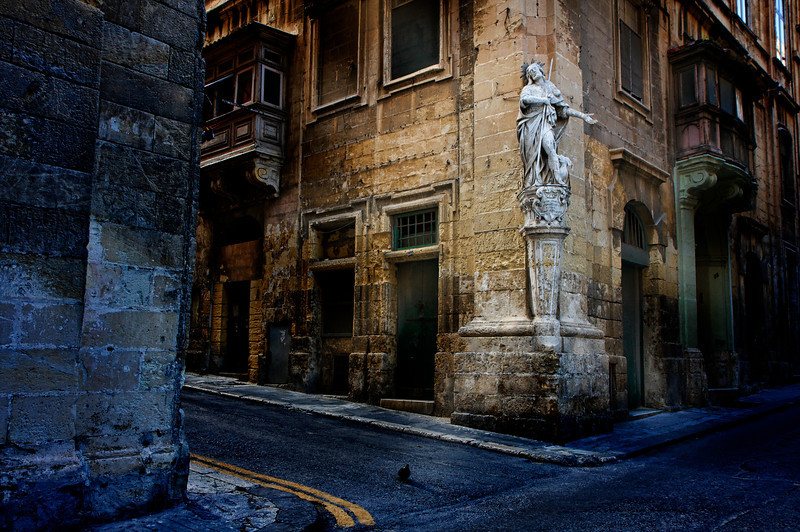 Valletta has a statues on random corners