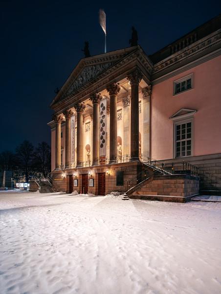 Staatsoper in winter