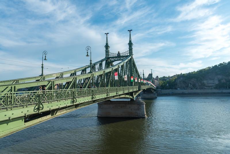 Ponte da Liberdade, Szent Gellért tér M (Szabadság híd), Budapest, Hungary over river Danube.