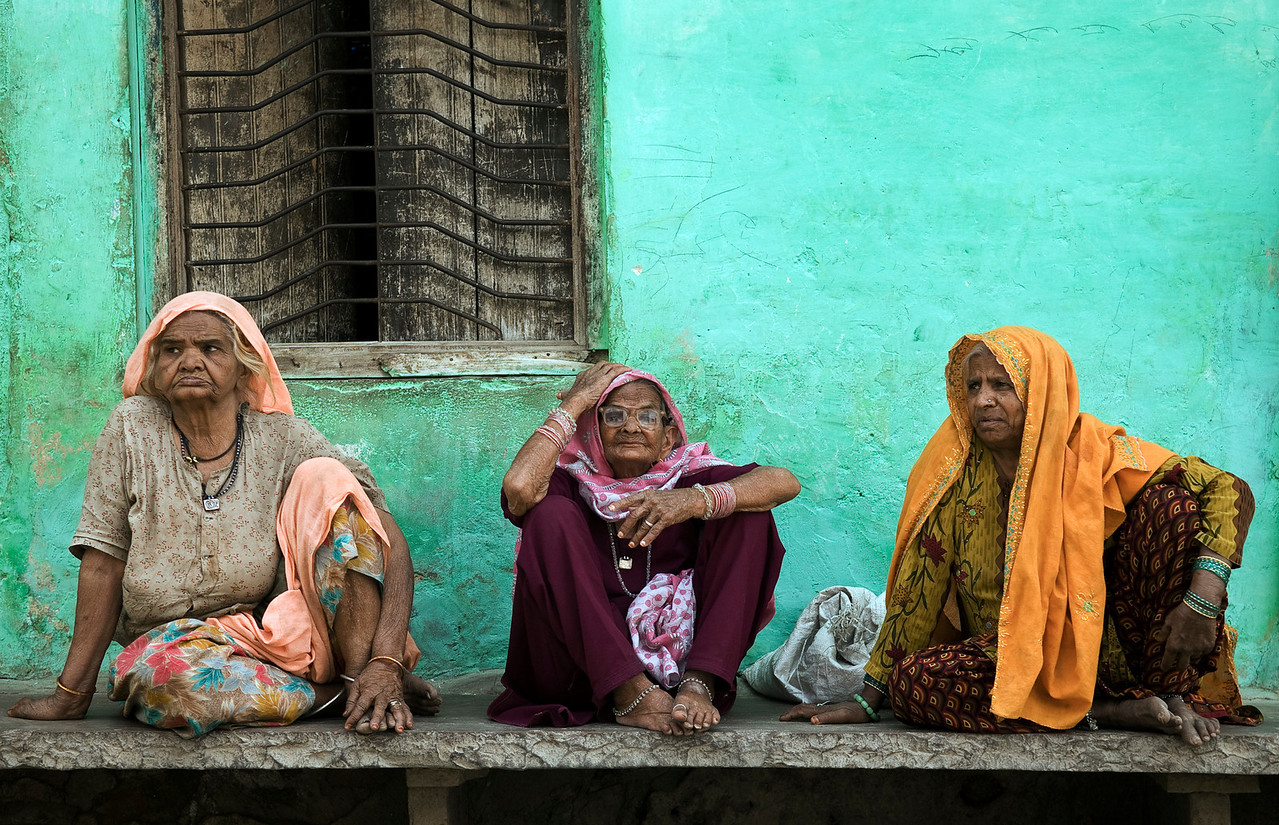 Three women, Bundi.<br /> <br /> Rajasthan, India, 2011.