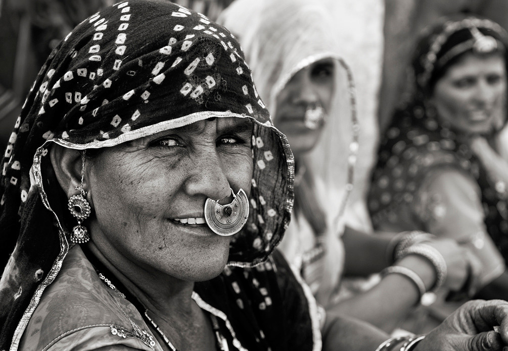 Bishnoi women in the small village of Khejerli.<br /> <br /> Rajasthan, India, 2011.
