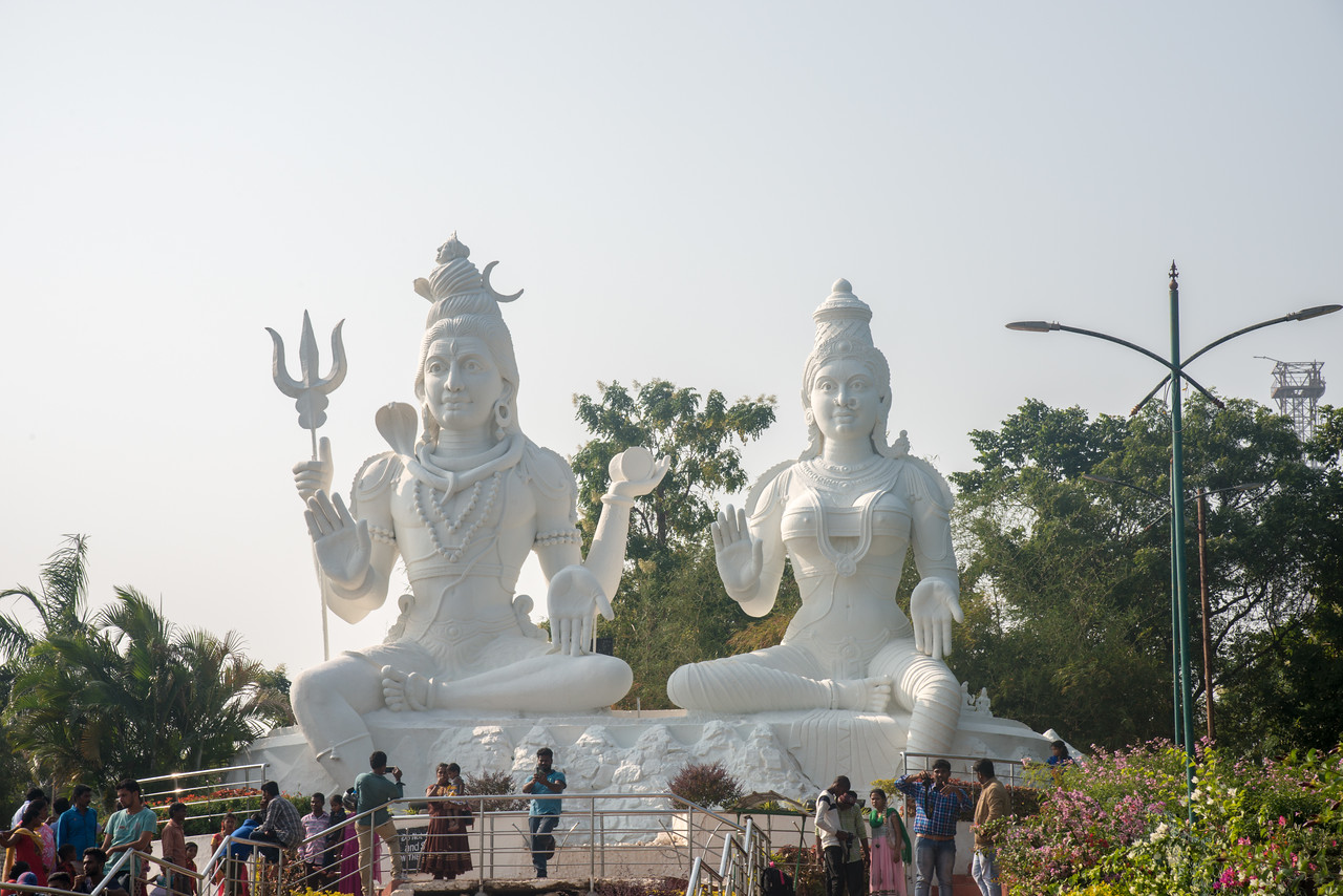Kailasagiri Shiva Parvathi Idol at Kailasagiri (కైలాసగిరి) which is a hilltop park & garden well known for a huge Shiva statue (Kailash) & picturesque views of forest & sea. Visakhapatnam (Vizag), Andhra Pradesh, India.