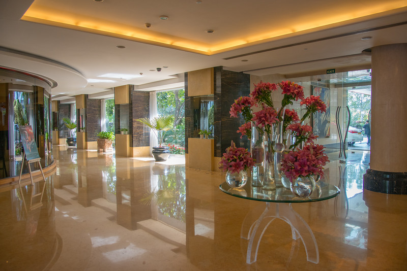 Lobby at Taj Chandigarh, ਤਾਜ ਚੰਡੀਗੜ੍ਹ,<br /> Taj Chandigarh is one of the best 5-star hotels in Chandigarh. Built recently, the hotel is located in Sector 17, the city's prime business and shopping area as well as  close to Nek Chand Gardens (Rock Gardens).