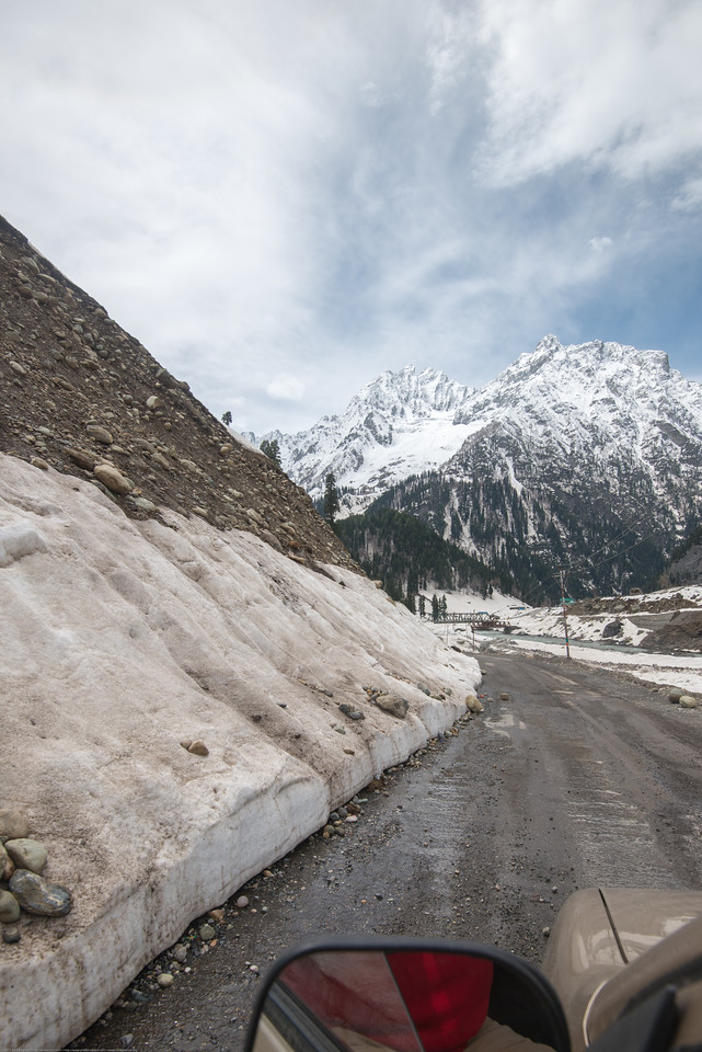 Snow covered banks of Sind river, Srinagar - Ladakh Highway, Forest Block, Jammu and Kashmir