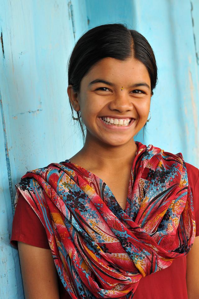 Portrait of a young girl in her village.<br /> Sawalmendha, Bhainsdehi, Betul, Madhya Pradesh, MP